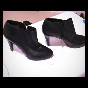 Via Spiga Black Leather Ankle Booties